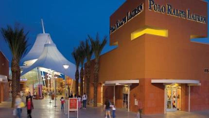 La-Tr-Lvn-Las-Vegas-Shopping-Premium-Outlets-2-001