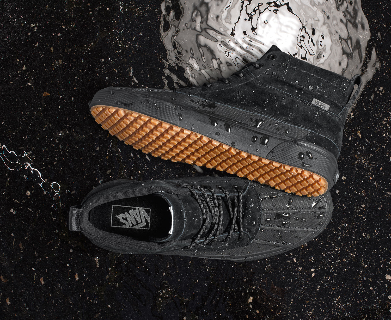 5327cf6916 Vans Holiday Mountain Edition Collection