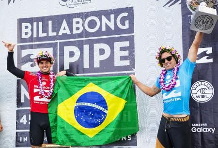 Adriano De Souza and Gabriel Medina during prizegiving.